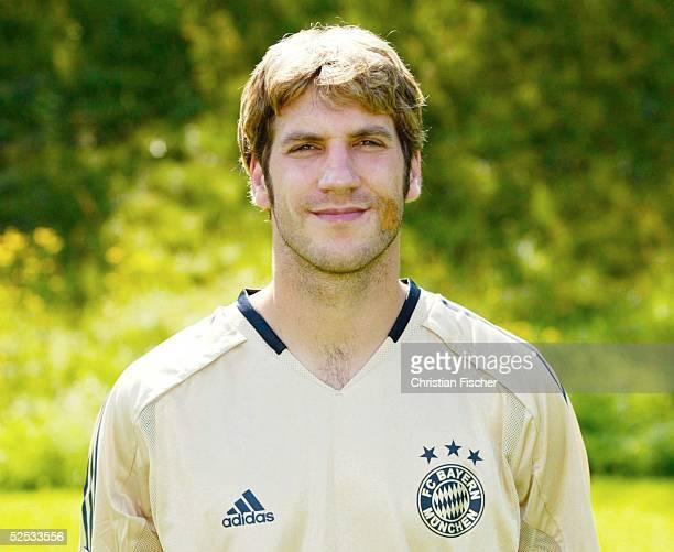 Fussball 1 Bundesliga 04/05 Muenchen FC Bayern Muenchen Mannschaftsportraits Portrait Thorsten FRINGS 210704
