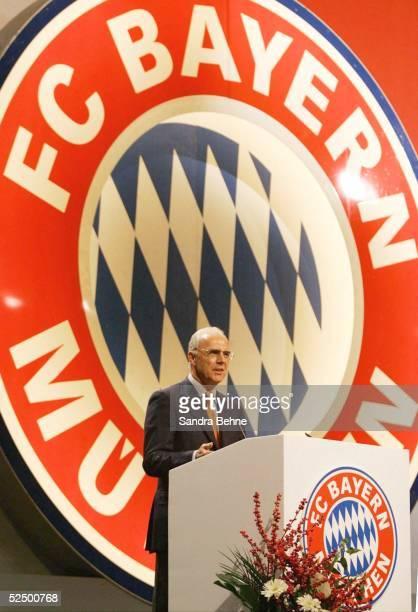 Fussball: 1. Bundesliga 04/05, Muenchen; FC Bayern Muenchen / Jahreshauptversammlung; Praesident Franz BECKENBAUER 19.11.04.
