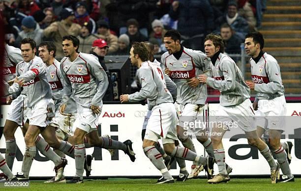 Fussball 1 Bundesliga 04/05 Muenchen FC Bayern Muenchen VfB Stuttgart 22 jubel der Stuttgarter nach dem 01 111204