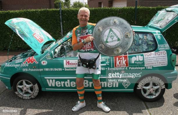 Fussball 1 Bundesliga 04/05 Norderney SV Werder Bremen / Trainingslager WerderFan Hans SODKE 050704