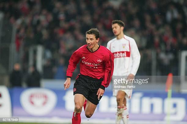 Fussball : 1. Bundesliga 04/05, Stuttgart, 29.01.05;VfB Stuttgart - 1.FC Nuernberg;Marek MINTAL/Nuernberg trifft zum 2:3 und dreht jubelnd ab. Rechts...