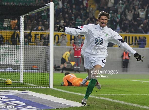 Fussball 1 Bundesliga 04/05 Wolfsburg 060205VfL Wolfsburg SV Werder BremenThomas BRDARIC/Wolfsburg jubelt nach seinem Treffer zum 10