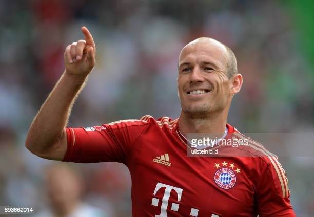 Saison 2012/2013 1 Spieltag SpVgg Greuther Fuerth FC Bayern Muenchen Jubel nach dem Tor zum 03 Arjen Robben