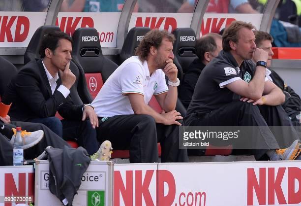 Fussball 1 Bundesliga Saison 2012/2013 34 Spieltag Nuernberg SV Werder Bremen Trainerbank / Ersatzbank des SV Werder Bremen vor dem Spiel Erstmas ein...