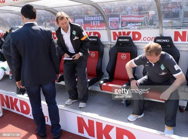 Fussball 1 Bundesliga Saison 2012/2013 34 Spieltag Nuernberg SV Werder Bremen Trainerbank / Ersatzbank des SV Werder Bremen vor dem Spiel Manager...
