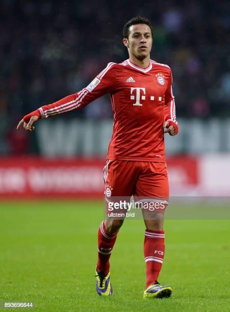 Fussball 1 Bundesliga Saison 2013/2014 15 Spieltag SV Werder Bremen FC Bayern Muenchen Thiago Alcantara
