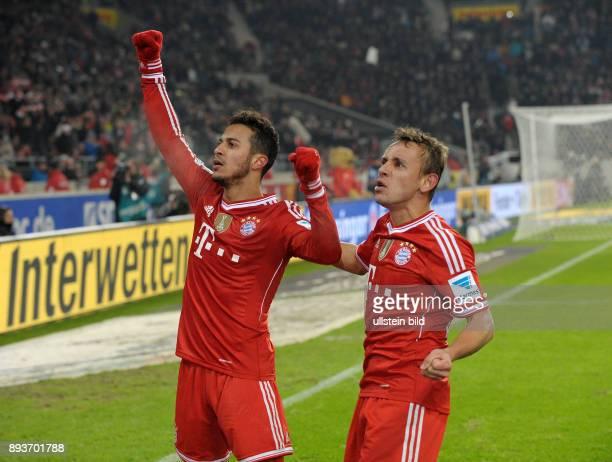 Fussball 1 Bundesliga Saison 2013/2014 17 Spieltag VfB Stuttgart FC Bayern Muenchen Bayern Muenchen Torschuetze zum 12 Thiago Alcantara und Rafinha