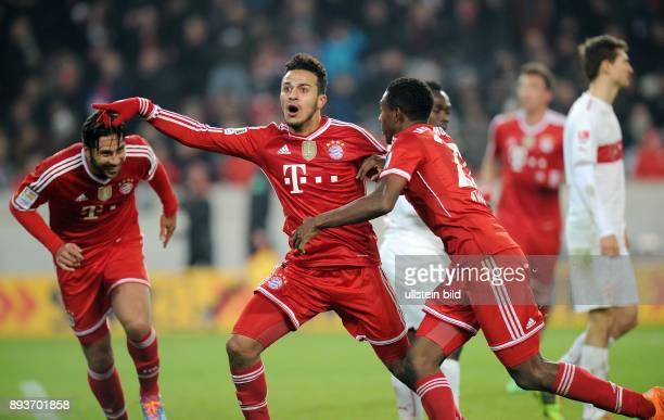 Fussball 1 Bundesliga Saison 2013/2014 17 Spieltag VfB Stuttgart FC Bayern Muenchen Bayern Muenchen Claudio Pizarro Torschuetze zum 12 Sieg Thiago...