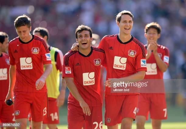 Fussball 1 Bundesliga Saison 2013/2014 2 Spieltag VfB Stuttgart Bayer Leverkusen Bayer Philipp Wollscheid umarmt Giulio Donati