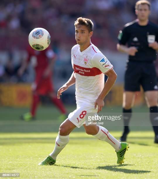 Fussball 1 Bundesliga Saison 2013/2014 2 Spieltag VfB Stuttgart Bayer Leverkusen Moritz Leitner am Ball