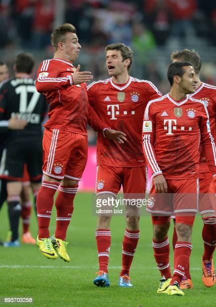 Fussball 1 Bundesliga Saison 2013/2014 25 Spieltag FC Bayern Muenchen Bayer Leverkusen Xherdan Shaqiri Thomas Mueller und Thiago Alcantara