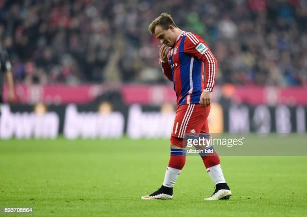 Fussball 1 Bundesliga Saison 2014/2015 16 Spieltag FC Bayern Muenchen SC Freiburg Xherdan Shaqiri nachdenklich