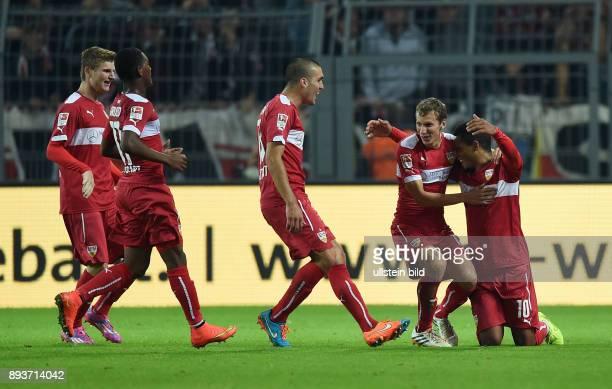 Fussball 1 Bundesliga Saison 2014/2015 5 SPIELTAG Borussia Dortmund VfB Stuttgart VfB Stuttgart Torschuetze zum 02 Daniel Didavi umarmt von Florian...