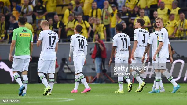 Fussball 1 Bundesliga Saison 2015/2016 1 Spieltag Borussia Dortmund Borussia Moenchengladbach Enttaeuschung Gladbach Granit Xhaka Oscar Wendt Thorgan...
