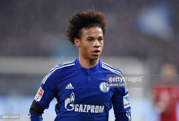Fussball 1 Bundesliga Saison 2015/2016 13 Spieltag in Gelsenkirchen FC Schalke 04 FC Bayern Muenchen Leroy Sane