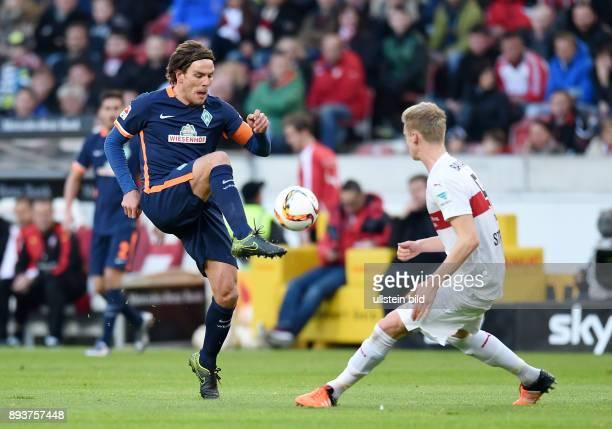 Fussball 1 Bundesliga Saison 2015/2016 15 Spieltag VfB Stuttgart SV Werder Bremen Clemens Fritz gegen Timo Baumgartl