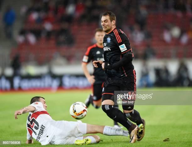 Fussball 1 Bundesliga Saison 2015/2016 19 Spieltag VfB Stuttgart Hamburger SV Kevin Grosskreutz gegen PierreMichel Lasogga
