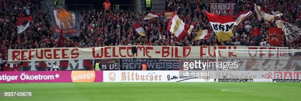 Fussball 1 Bundesliga Saison 2015/2016 5 Spieltag in Sinzheim Mainz 05 31 TSG 1899 Hoffenheim TSG 1899 Hoffenheim Fans mit einem Anti BildZeitungs...