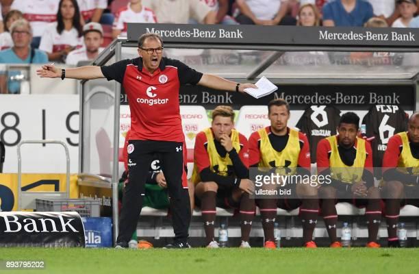 Fussball 1 Bundesliga Saison 2016/2017 1 Spieltag VfB Stuttgart FC Bayern Muenchen Trainer Ewald Lienen