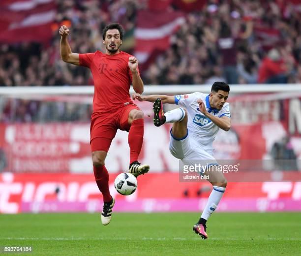 Fussball 1 Bundesliga Saison 2016/2017 10 Spieltag FC Bayern Muenchen TSG 1899 Hoffenheim Mats Hummels gegen Nadiem Amiri
