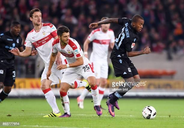 Fussball 1 Bundesliga Saison 2016/2017 10 Spieltag VfB Stuttgart 1860 Muenchen Matthias zimmermann gegen Victor Andrade und beobachtet von Christian...