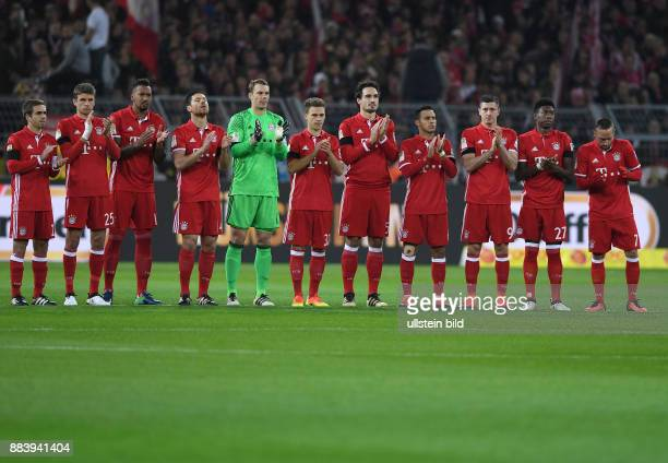 Fussball 1 Bundesliga Saison 2016/2017 11 Spieltag Borussia Dortmund FC Bayern Muenchen Philipp Lahm Thomas Mueller Jerome Boateng Xabi Alonso...