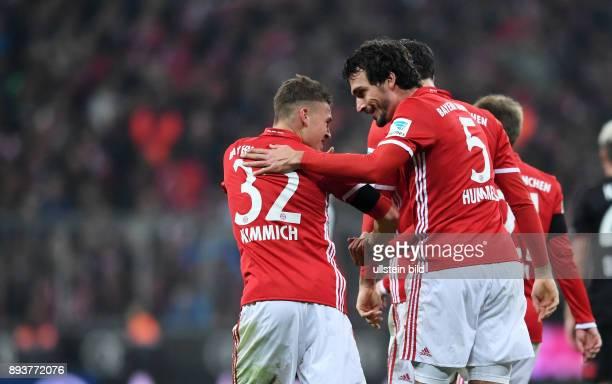 Fussball 1 Bundesliga Saison 2016/2017 12 Spieltag FC Bayern Muenchen Bayer 04 Leverkusen Bayern Muenchen Torschuetze zum 21 Mats Hummels und Joshua...