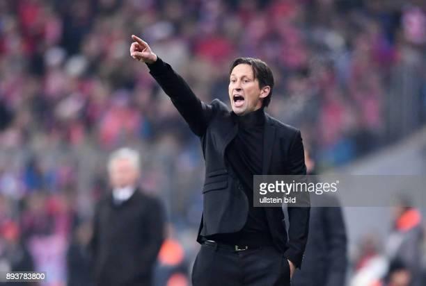 Fussball 1 Bundesliga Saison 2016/2017 12 Spieltag FC Bayern Muenchen Bayer 04 Leverkusen Trainer Roger Schmidt