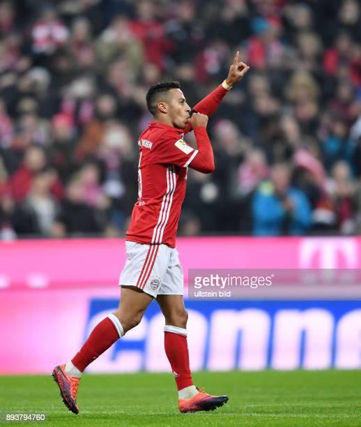 Fussball 1 Bundesliga Saison 2016/2017 12 Spieltag FC Bayern Muenchen Bayer 04 Leverkusen Bayern Muenchen Torschuetze zum 10 Thiago Alcantara