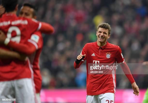 Fussball 1. Bundesliga Saison 2016/2017 14. Spieltag FC Bayern Muenchen - VfL Wolfsburg Torjubel: Thomas Mueller