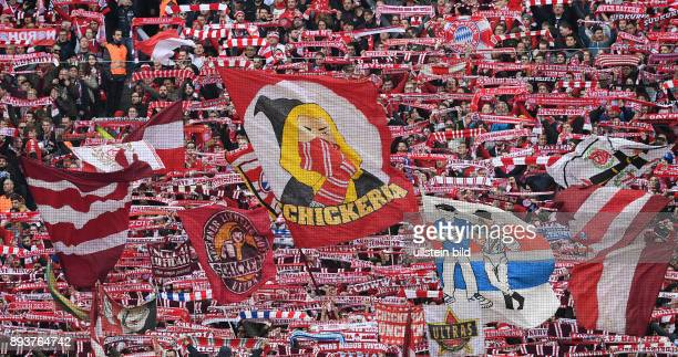 Fussball 1 Bundesliga Saison 2016/2017 22 Spieltag FC Bayern Muenchen Hamburger SV FC Bayern Ultras der Schickeria mit Fahnen der Suedkurve der...