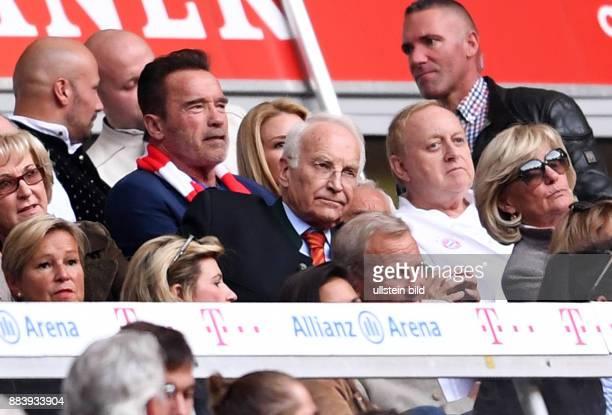 Fussball 1 Bundesliga Saison 2016/2017 6 Spieltag FC Bayern Muenchen 1 FC Koeln Arnold Schwarzenegger Ex Ministerpraesident Edmund Stoiber und Koch...