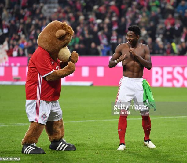 Fussball 1 Bundesliga Saison 2016/2017 8 Spieltag FC Bayern Muenchen Borussia Moenchengladbach Schlussjubel FC Bayern Muenchen Maskottchen Berni beim...