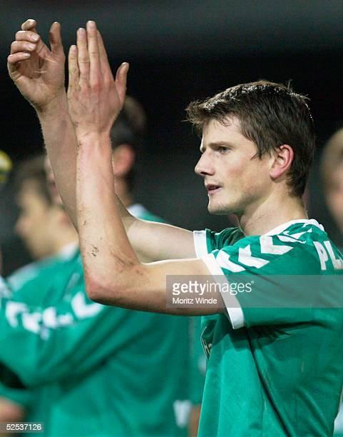 Fussball: 2. Bundesliga 03/04, Luebeck; VfB Luebeck - 1. FC Nuernberg 2:1; Reiner PLASSHENRICH / Luebeck 22.03.04.