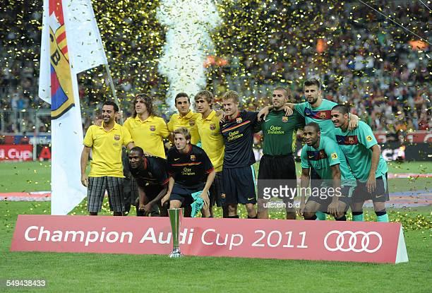 Fussball AudiCup 2011 in München Finale FC BAYERN MÜNCHEN FC BARCELONA 02 Der FC Barcelona gewann den Audi Cup und stellte sich mit den nicht...