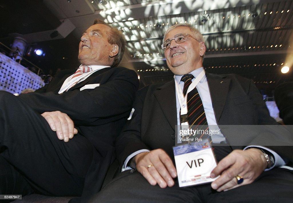 Fussball: Auslosung FIFA Confederations Cup : ニュース写真