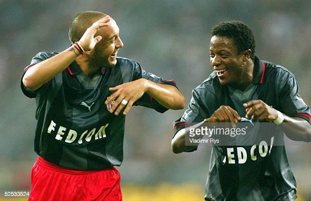 Fussball Blitzturnier 2004 Moenchengladbach FC Bayern Muenchen AS Monaco Jubel nach dem Tor zum 01 durch Ernesto Javier CHEVANTON Mohamed KALLON /...