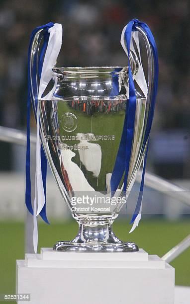 Fussball Champions League 03/04 Finale Gelsenkirchen FC Porto AS Monaco 30 ChampionsLeaguePokal 260504