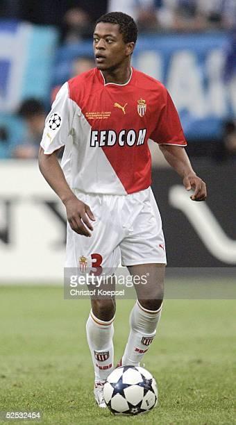 Fussball Champions League 03/04 Finale Gelsenkirchen FC Porto AS Monaco 30 Patrice EVRA / Monaco 260504