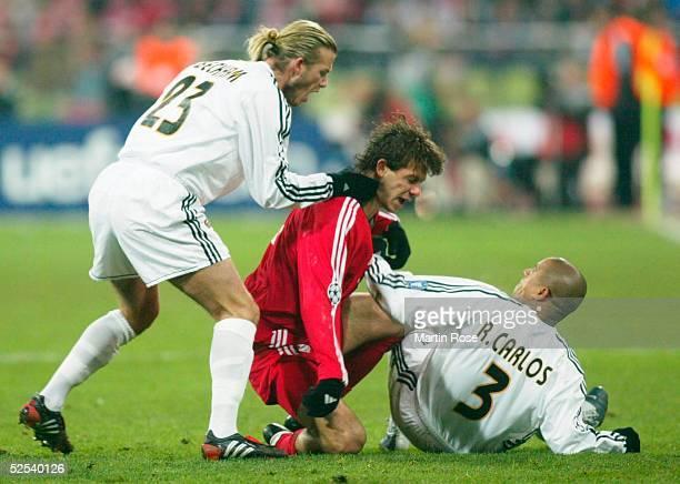 Fussball Champions League 03/04 Muenchen FC Bayern Muenchen Real Madrid 11 David BECKHAM / real Martin DEMICHELIS / Bayern ROBERTO CARLOS / Real...
