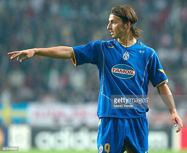 Zlatan Ibrahimovic Ajax Photos Et Images De Collection