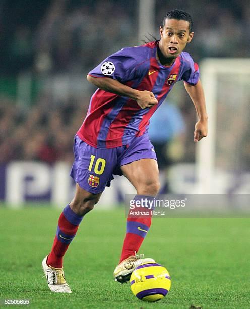 Fussball Champions League 04/05 Barcelona FC Barcelona Celtic Glasgow 11 RONALDINHO / Barca 241104