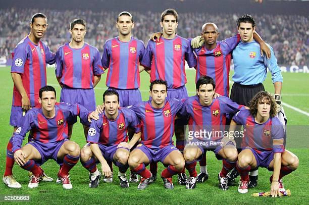 Fussball Champions League 04/05 Barcelona FC Barcelona Celtic Glasgow 11 Teamfoto FC Barcelona hinten vl RONALDINHO SYLVINHO Rafael MARQUEZ OLEGUER...