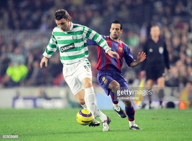 Fussball Champions League 04/05 Barcelona FC Barcelona Celtic Glasgow 11 Alan THOMPSON / Celtic Ludovic GIULY / Barca 241104