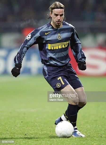 Fussball Champions League 04/05 Bremen SV Werder Bremen Inter Mailand 11 Andy van der MEYDE / Inter 241104