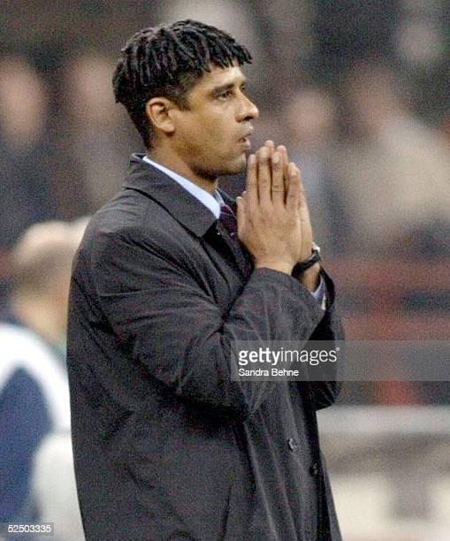 Fussball Champions League 04/05 Mailand AC Mailand FC Barcelona 10 Trainer Frank RIJKAARD / Barcelona 201004