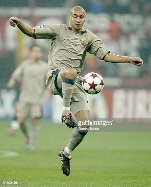 Fussball Champions League 04/05 Mailand AC Mailand FC Barcelona 10 Henrik LARSSON / Barcelona 201004