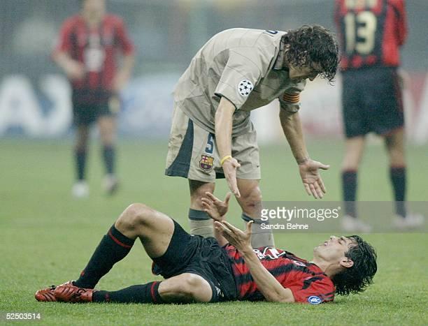 Fussball Champions League 04/05 Mailand AC Mailand FC Barcelona 10 vo Carles PUYOL / Barcelona KAKA / Milan 201004