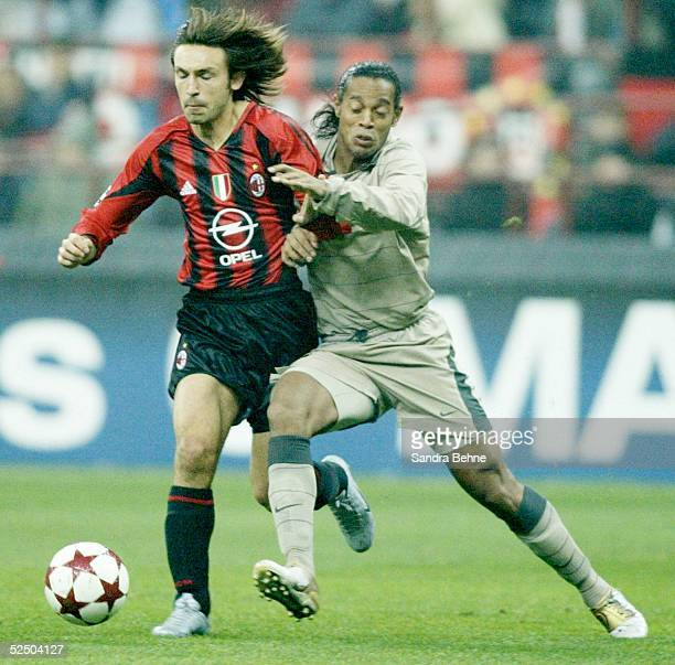 Fussball Champions League 04/05 Mailand AC Mailand FC Barcelona vl Andrea PIRLO / Milan RONALDINHO / Barcelona 201004