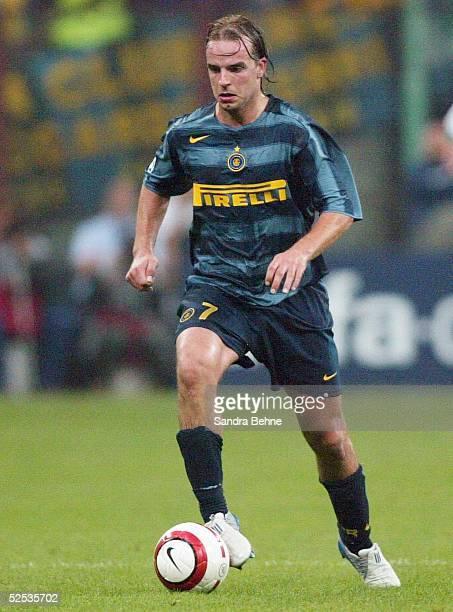Fussball Champions League 04/05 Mailand Inter Mailand SV Werder Bremen 20 Andy VAN DER MEYDE / Inter 140904